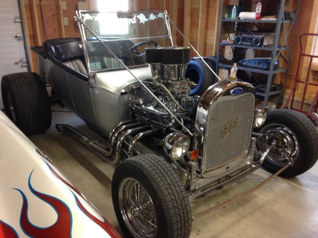1923 Ford T Bucket Hot Rod 302 Ford Dual Quads, Tunnel Ram