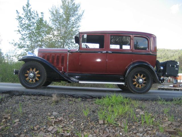 1927 oakland 4 door sedan pontiac oldsmobile chevrolet for 1930 pontiac 4 door sedan