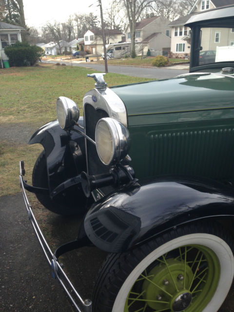 Antique Ford Fenders : Ford model a coupe great condition green with black