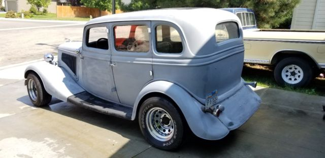 Clyde 1934 ford & v8 bonnie Bonnie and
