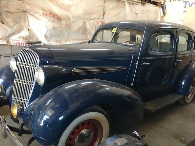 1935 oldsmobile f 35 base 4 door sedan suicide doors extra for 1934 pontiac 4 door sedan