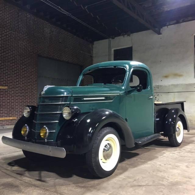 1940 International D2 Short Bed Pickup Truck For Sale