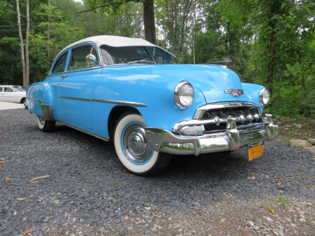 1952 chevy styleline deluxe 2 door show winner