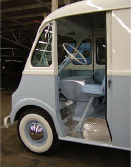 1959 International Metro Ice Cream Step Van (Complete Frame