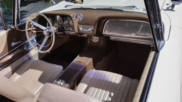 1960 Ford Thunderbird Convertible w/Power Retractable Soft Top