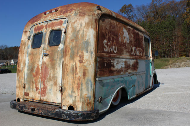 1960 INTERNATIONAL HARVESTER METRO RAT ROD DELIVERY, PATINA, BAGGED