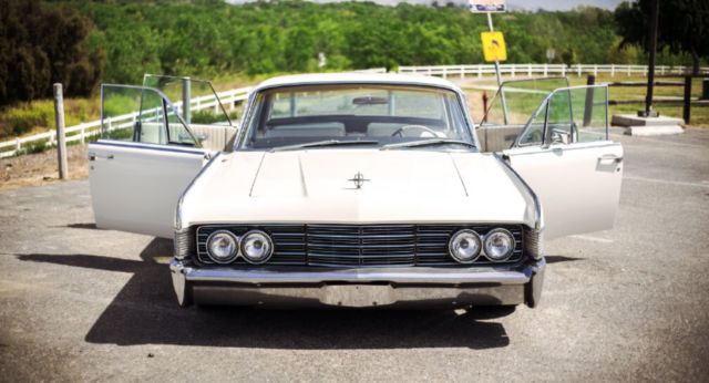 1965 lincoln continental white bagged 22 wheels brand new. Black Bedroom Furniture Sets. Home Design Ideas