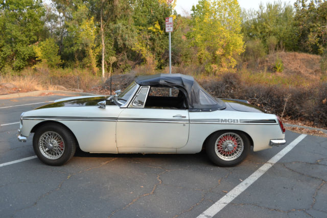 1966 MGB Roadster Mark 1 - Refreshed and pull handle doors
