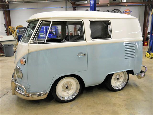 1966 volkswagen shorty bus vw kombi built by gas monkey garage on fast n 39 loud for sale. Black Bedroom Furniture Sets. Home Design Ideas
