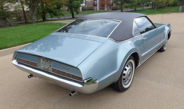 1967 oldsmobile toronado 19 708 miles turquoise frost coupe 425 v8 385hp 475lb for sale. Black Bedroom Furniture Sets. Home Design Ideas