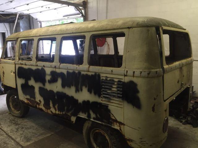1967 vw bus 13 window deluxe bus van transporter delux for sale volkswagen bus vanagon 1967. Black Bedroom Furniture Sets. Home Design Ideas