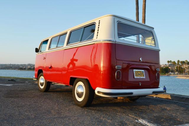 1968 vw deluxe bus camper beautiful inside and out for sale volkswagen bus vanagon camper 1968. Black Bedroom Furniture Sets. Home Design Ideas