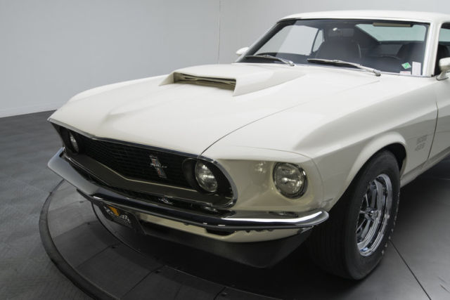 1969 ford mustang boss 429 4 miles wimbledon white fastback 429 v8 4 speed manua for sale ford. Black Bedroom Furniture Sets. Home Design Ideas