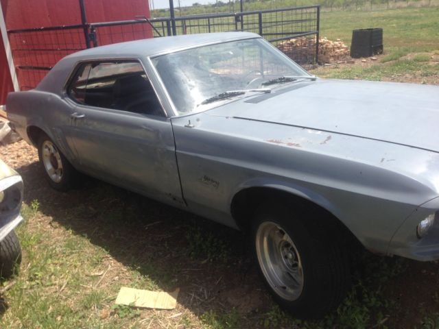 1969 Ford Mustang fastback (includes 2nd 1969 mustang cpe
