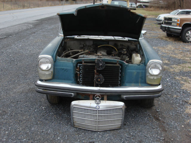 1969 mercedes benz w114 250 complete for restoration or for Mercedes benz classic car parts