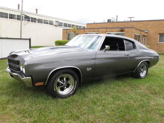 1970 Chevelle SS 396/375+HP - 4 Speed - Shadow Gray - Restored for