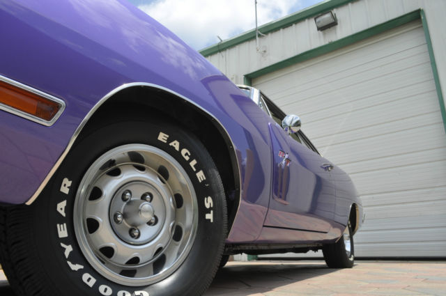 1970 Dodge Charger R/T 440 High Impact PLUM CRAZY White