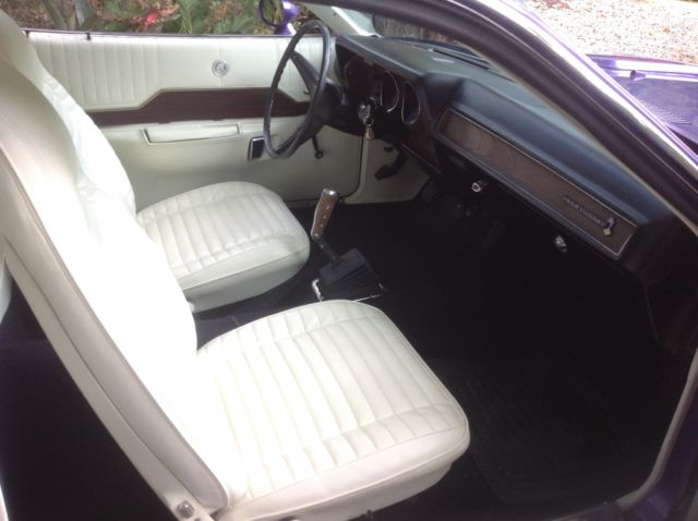 1971 plymouth road runner 440 6 pack 4 speed plum crazy white interior show race for sale. Black Bedroom Furniture Sets. Home Design Ideas