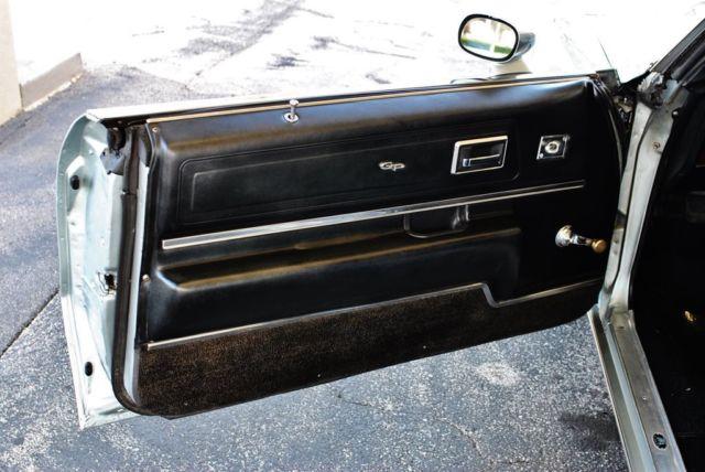 1971 pontiac grand prix 400 v8 auto w air conditioning. Black Bedroom Furniture Sets. Home Design Ideas
