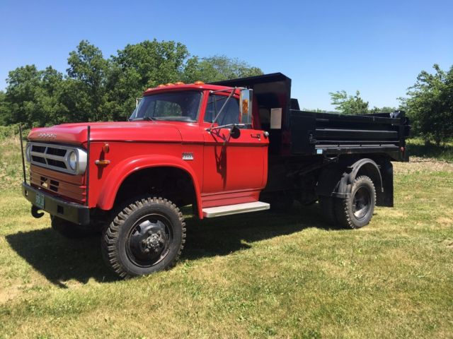 1972 dodge w600 4x4 dump truck power wagon hydraulic. Black Bedroom Furniture Sets. Home Design Ideas