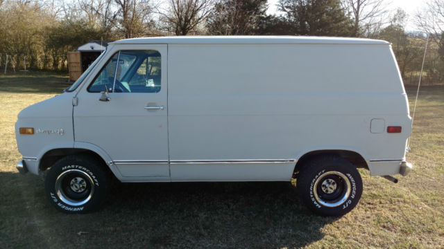 1974 Chevrolet G10 Shorty Van ,Built 350/350 ,New tires and