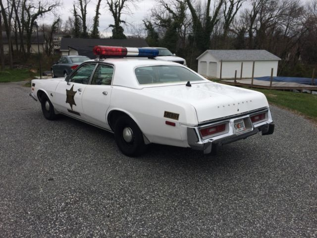 1976 Plymouth Fury Sheriff Rosco Coltrane Dukes of Hazzard ...