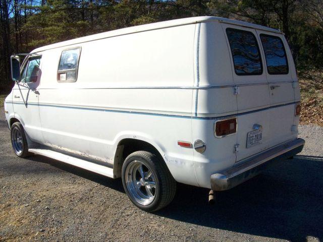 1977 Dodge B200 Tradesman LOADED Custom Street Van 318 AT
