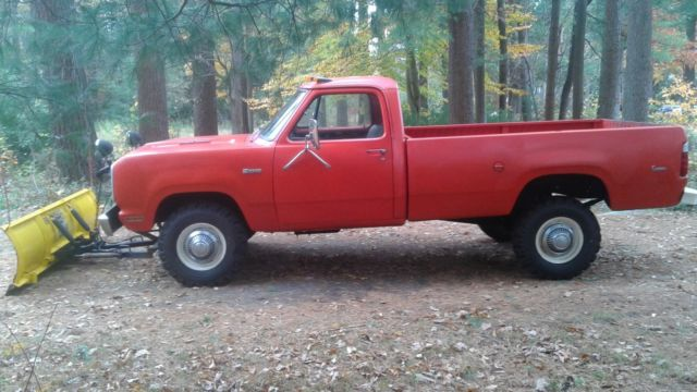 1977 dodge power wagon w200 sno fiter plow truck 46 000 miles classic ram truck for sale dodge. Black Bedroom Furniture Sets. Home Design Ideas