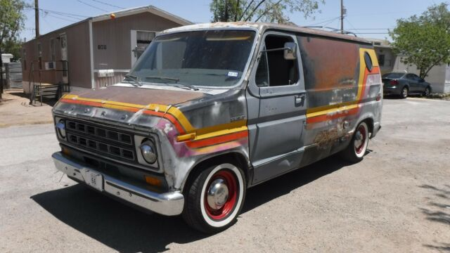 1977 FORD FACTORY ORIGINAL CUSTOM CHATEAU CRUISING SHORT VAN