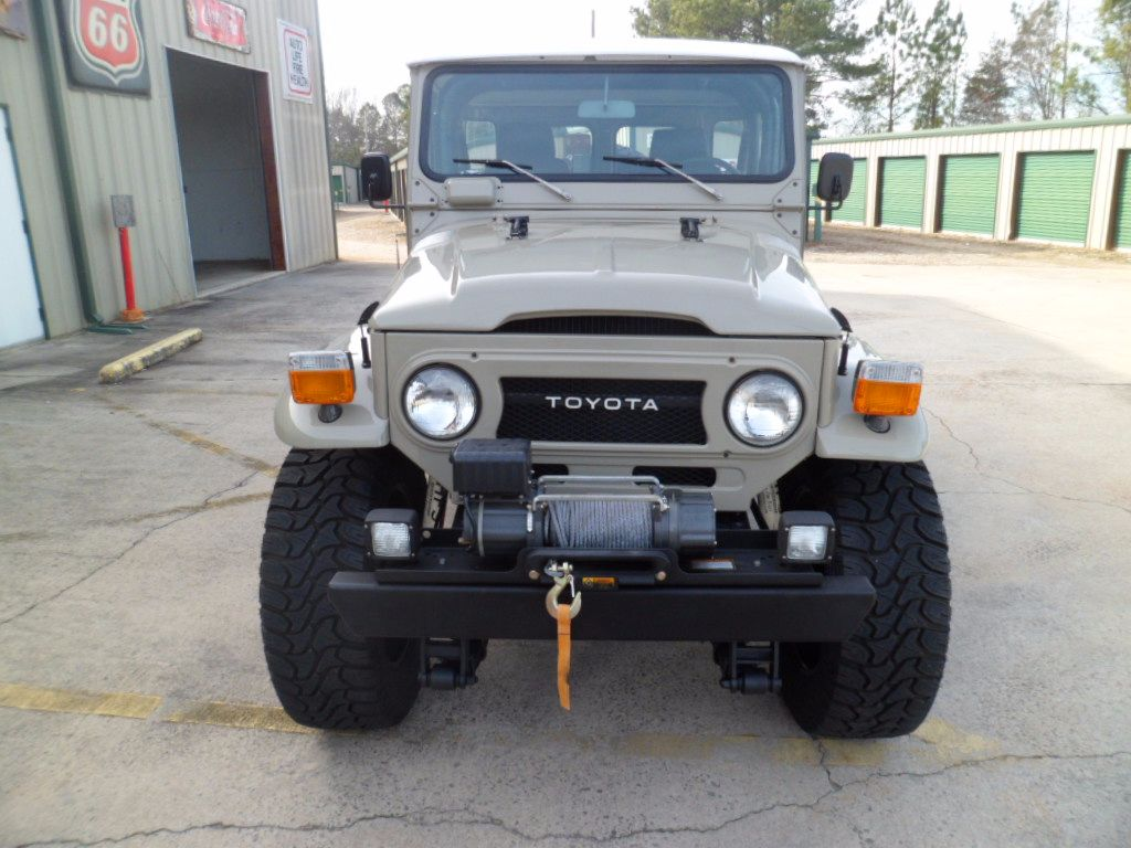 1977 toyota fj40 land cruiser 400 chevy v8 4 speed trans freshly restored look for sale toyota. Black Bedroom Furniture Sets. Home Design Ideas