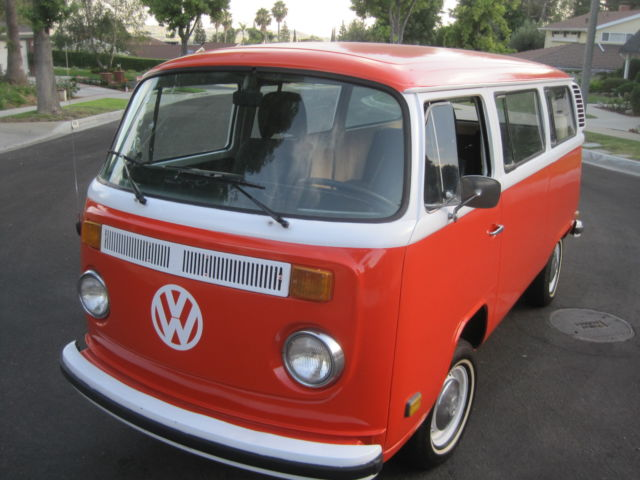 1977 VW BUS, NO RUST, 2 LITER, FUEL INJECTION, DRIVES GREAT !! REAR