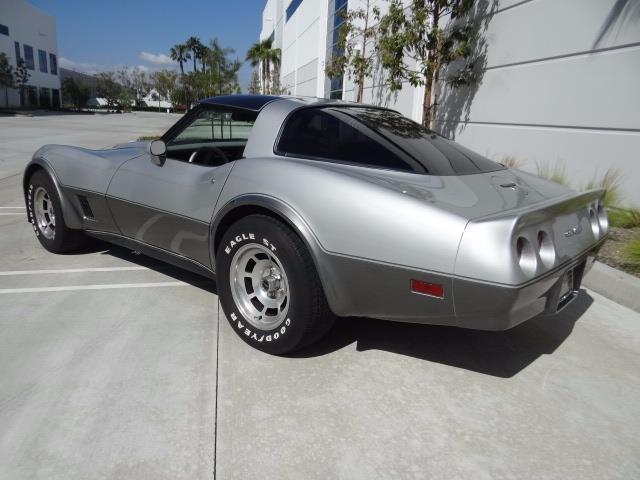 1981 chevrolet corvette 80410 miles silver 8 cylinder engine 5 7l 350 4 speed for sale. Black Bedroom Furniture Sets. Home Design Ideas