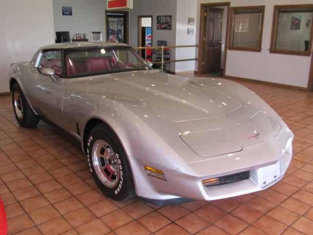 1981 Chevy Corvette 60 K Miles Silver Red T Tops