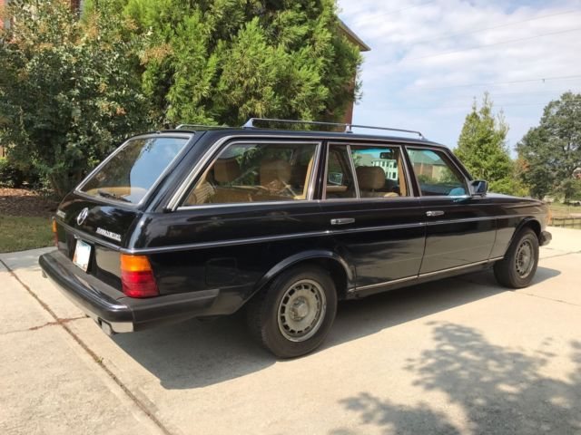 1981 mercedes benz 300 td station wagon original black for Mercedes benz 300 td