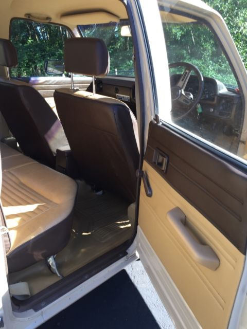 1981 Toyota Hilux Diesel 4 Door 4x4 Pickup Rhd For Sale
