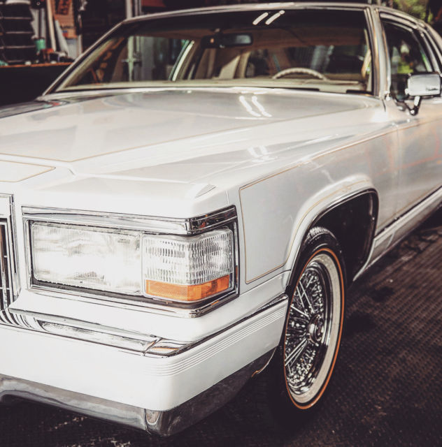 1982 Cadillac Coupe Deville Pearl White, Moon Roof