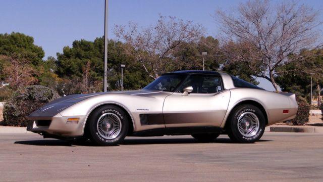 1982 chevrolet corvette collectors edition 1 of 6759 built 350cu overdrive trans for sale. Black Bedroom Furniture Sets. Home Design Ideas