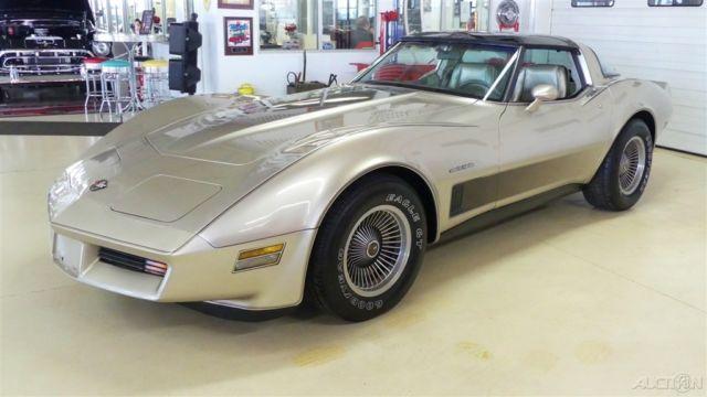 1982 collector edition used 5 7l v8 16v automatic rwd hatchback for sale chevrolet corvette. Black Bedroom Furniture Sets. Home Design Ideas