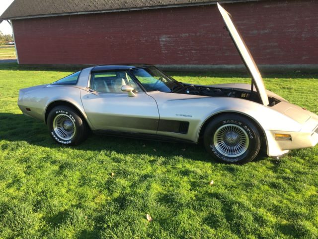 1982 corvette collectors edition no reserve 1 owner car all documents run great for sale. Black Bedroom Furniture Sets. Home Design Ideas