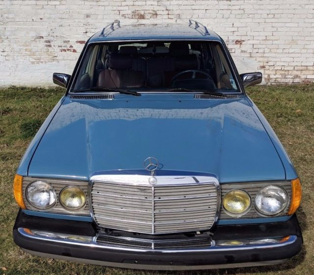 1982 Mercedes Benz 300TD Diesel Station Wagon, China Blue