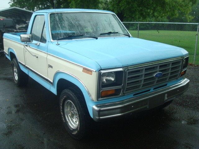 1983 ford f150 regular cab 4x4 302 v8 4 speed manaul 83k miles for sale ford f 150. Black Bedroom Furniture Sets. Home Design Ideas