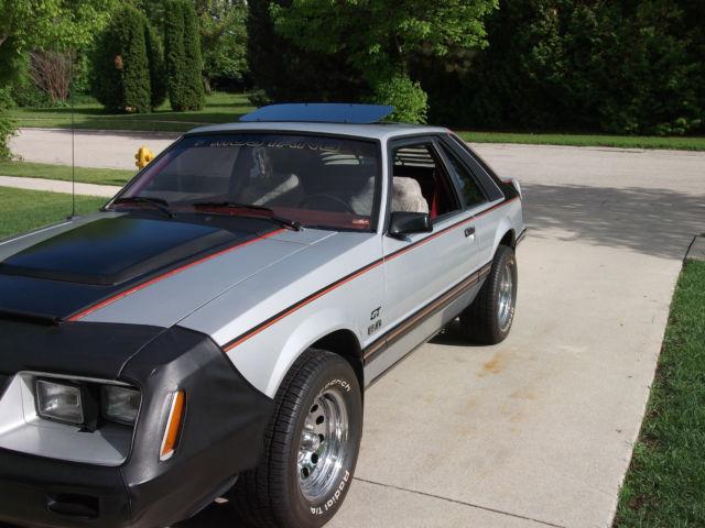 1983 ford mustang gt hatchback 2 door 5 0l for sale ford mustang gt 1983 for sale in fond du. Black Bedroom Furniture Sets. Home Design Ideas