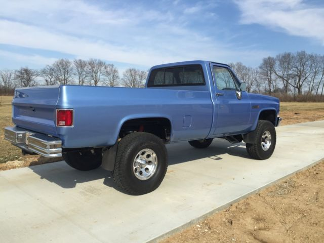 1984 c k gmc 4x4 1 2 ton pick up square body chevy truck silverado c10 k5 sierra for sale gmc. Black Bedroom Furniture Sets. Home Design Ideas