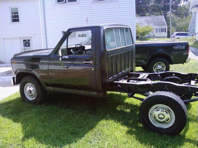 1984 ford f150 stepside 4x4 truck mud truck restore f 150 302 v8 auto lowered for sale ford. Black Bedroom Furniture Sets. Home Design Ideas