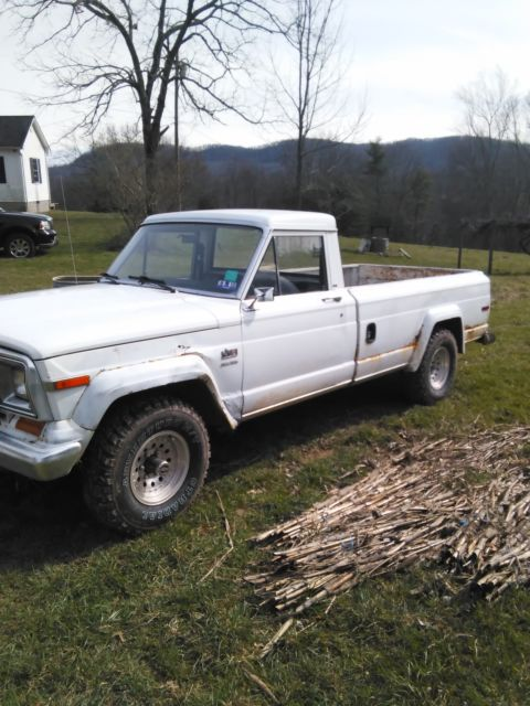 1984 jeep j10 pickup truck 4x4 360 auto 33 000 miles for sale jeep other 1984 for sale in. Black Bedroom Furniture Sets. Home Design Ideas
