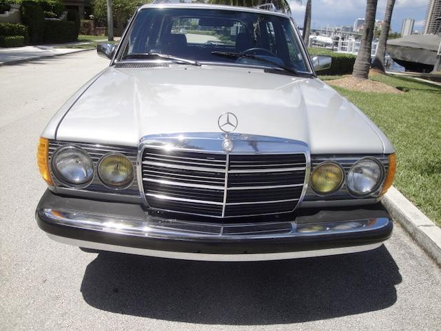 1984 mercedes benz 300td turbo diesel wagon 94k orig classic gorgeous find in fl for sale. Black Bedroom Furniture Sets. Home Design Ideas