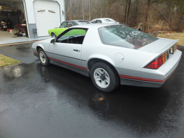 1985 chevrolet camaro z28 rare barn find chevy 37000 original miles 1 owner for sale chevrolet. Black Bedroom Furniture Sets. Home Design Ideas