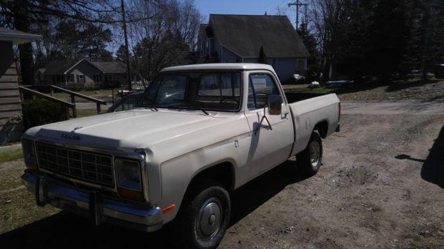 1985 dodge ram 1500 prospector 4x4 318 manual west coast clean truck for sale dodge ram. Black Bedroom Furniture Sets. Home Design Ideas