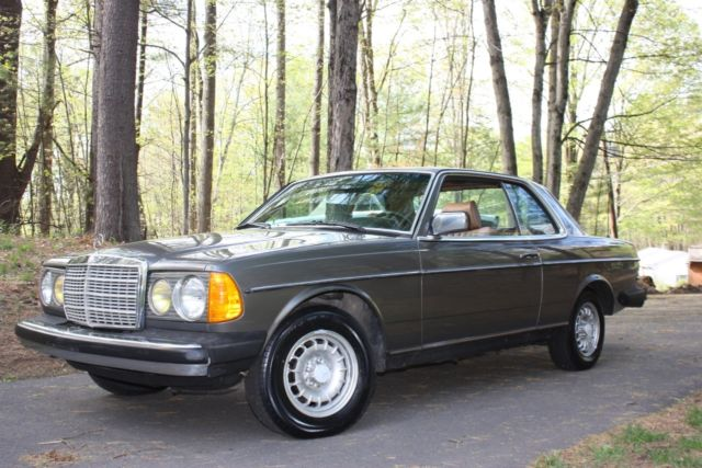 1985 mercedes 300cd turbocharged diesel w123 chassis for Mercedes benz 300cd for sale