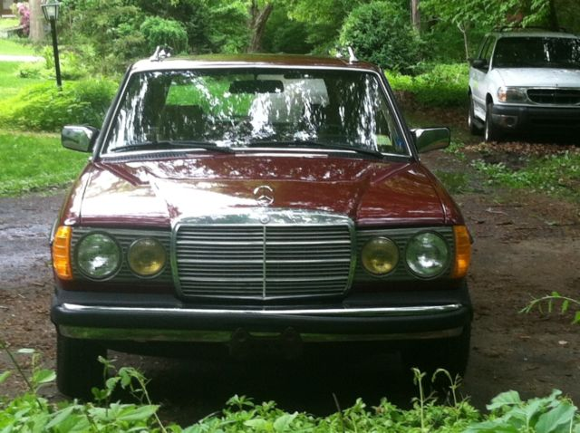 1985 mercedes benz 300 turbo diesel wagon with 73k original miles for sale mercedes benz 300. Black Bedroom Furniture Sets. Home Design Ideas
